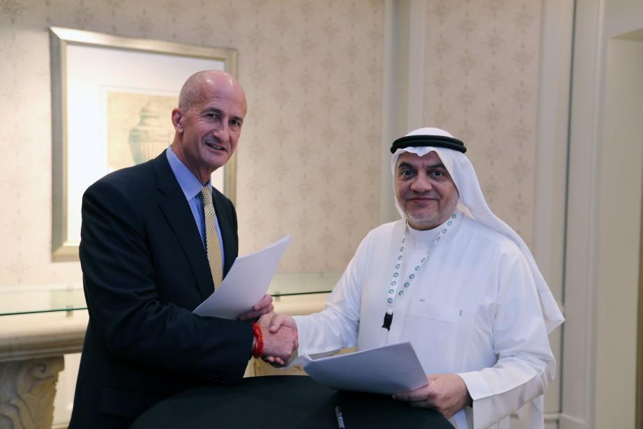 Le vice-président de General Electric, John Rice (à... (Photo Hamad I Mohammed, REUTERS)