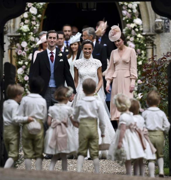 James Matthews et Pippa Middleton se sont mariés samedi en Angleterre. (Justin Tallis/Pool Photo via AP)
