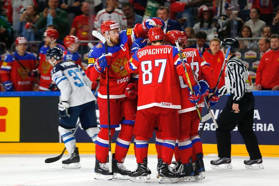 Les Russes ont défait les Finlandais 5-3.... (PHOTO Ina FASSBENDER, AGENCE FRANCE-PRESSE)
