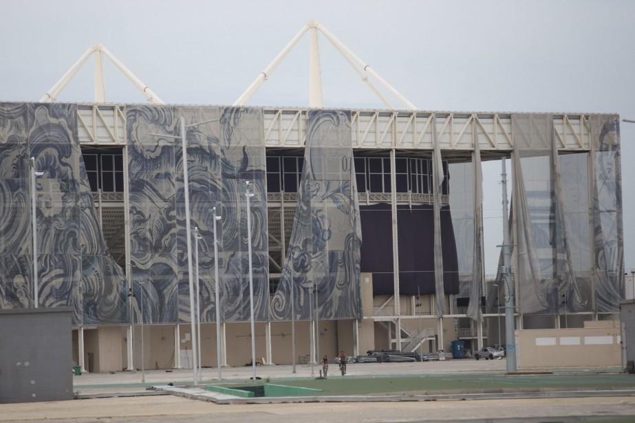 Le complexe aquatique olympique tombe en ruine.... (Silvia Izquierdo, archives Associated Press)
