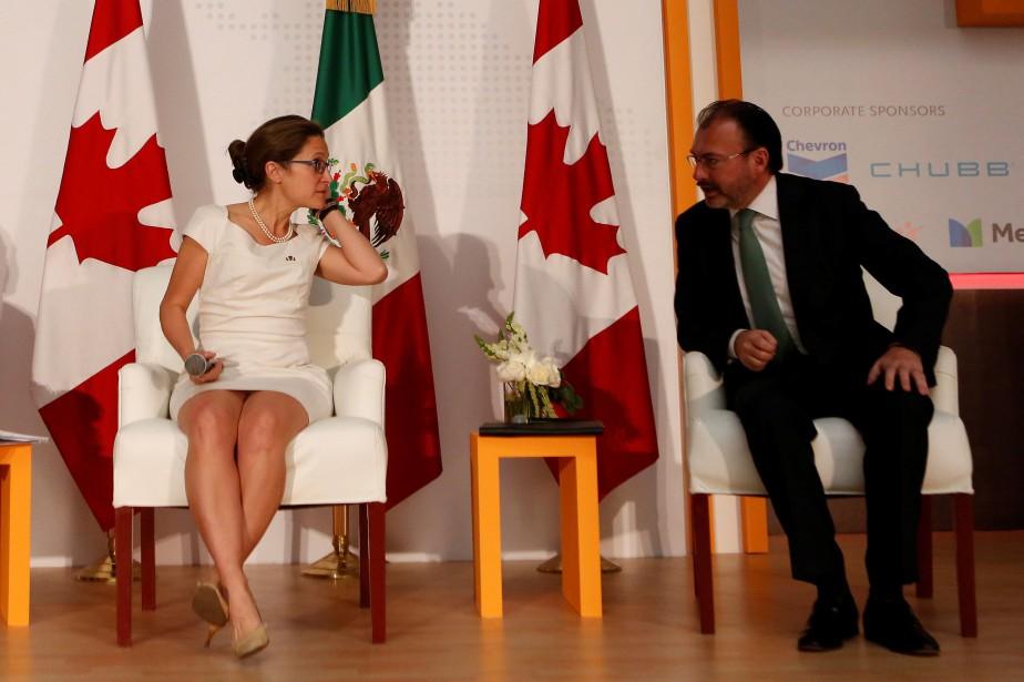 Les ministres des Affaires étrangères du Canada Chrystia... (Photo Ginnette Riquelme, REUTERS)