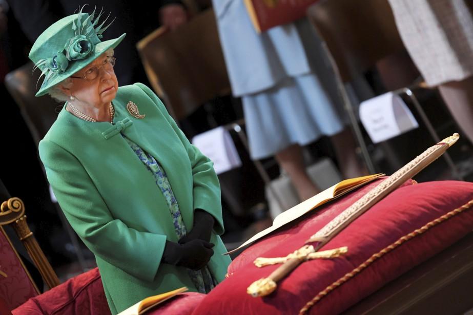 La reine ÉlisabethII participe à une cérémonie soulignant le 100e anniversaire de l'Ordre de l'Empire britannique, à Londres. | 24 mai 2017