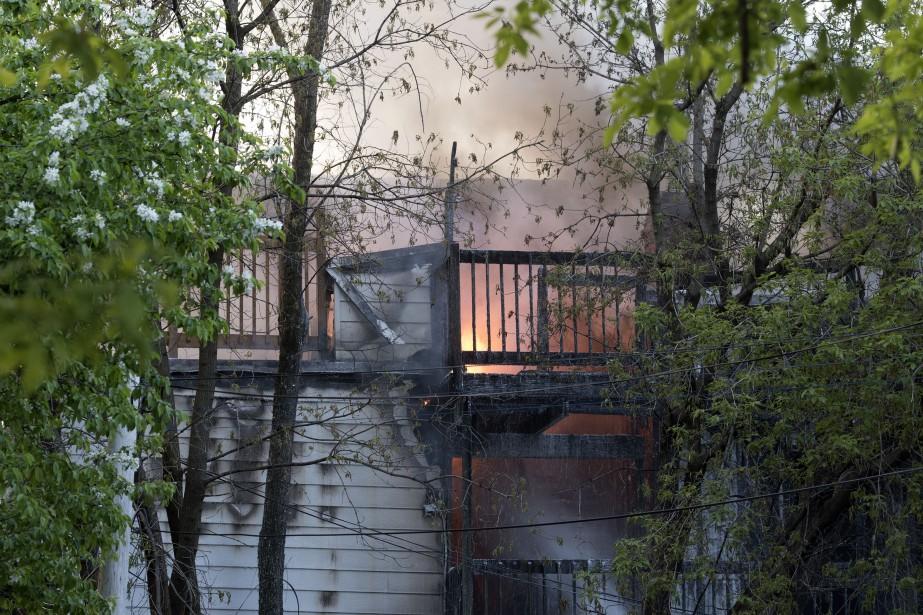 Une grande partie du bâtiment était déjà touchée à l'arrivée des pompiers. | 24 mai 2017