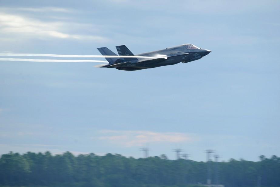 Ce versement annuel permet au Canada de demeurer... (PHOTO ARCHIVES AFP/US AIR FORCE)