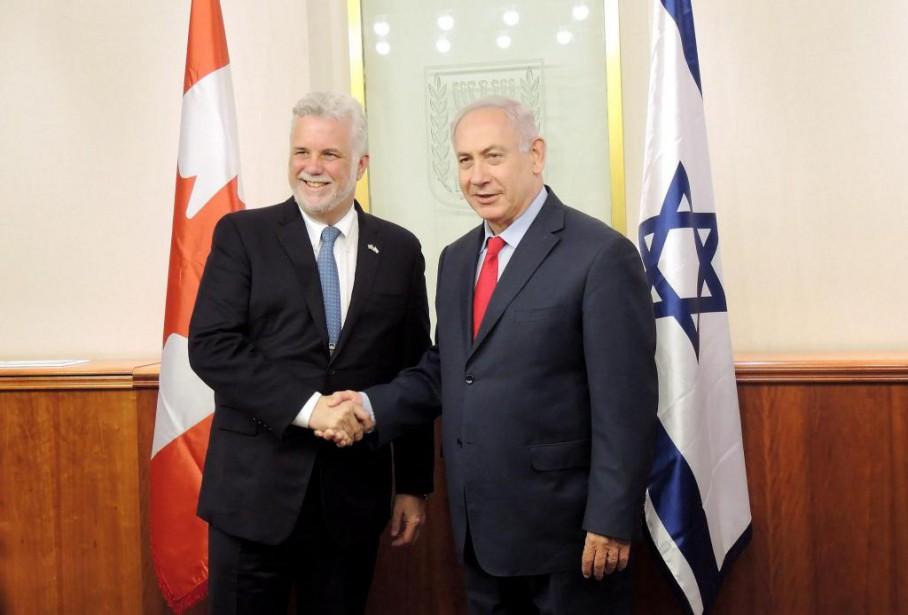 Le premier ministrePhilippe Couillard avec son homologue israélien... (photo Marc-André Gagnon, la presse canadienne)