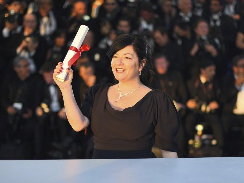 La réalisatrice britannique Lynne Ramsay a remporté le prix du scénario pour  You Were Never Really Here , ex aequo avec le GrecYorgos Lanthimos pour Mise à mort du cerf sacré.  | 28 mai 2017