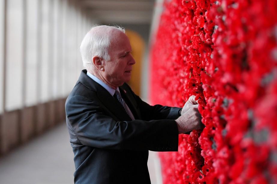 De passage en Australie, John McCain a placé... (PHOTO REUTERS)
