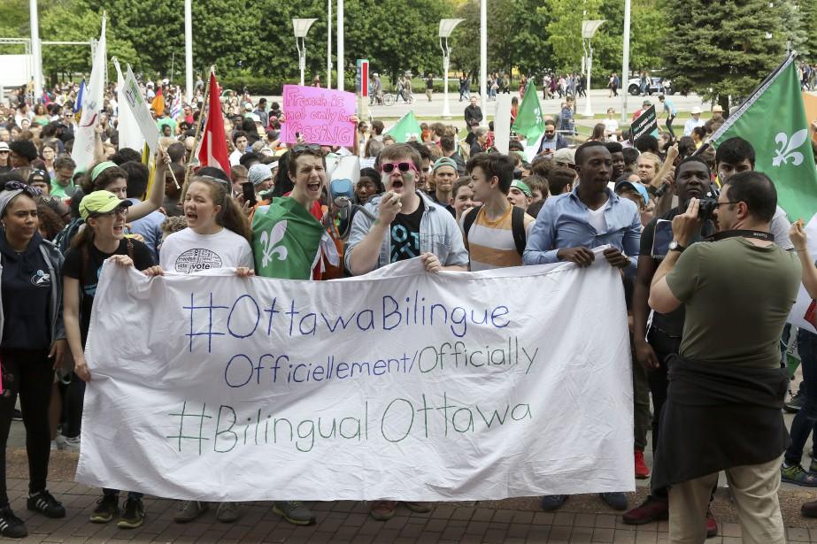Des milliers de francophones réunis pour faire d'Ottawa une ville bilingue. | 31 mai 2017