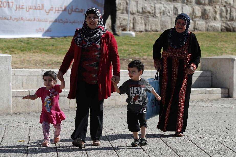 Les plus de 300000Palestiniens de Jérusalem-Est ont un... (Photo AHMAD GHARABLI, Agence France-Presse)