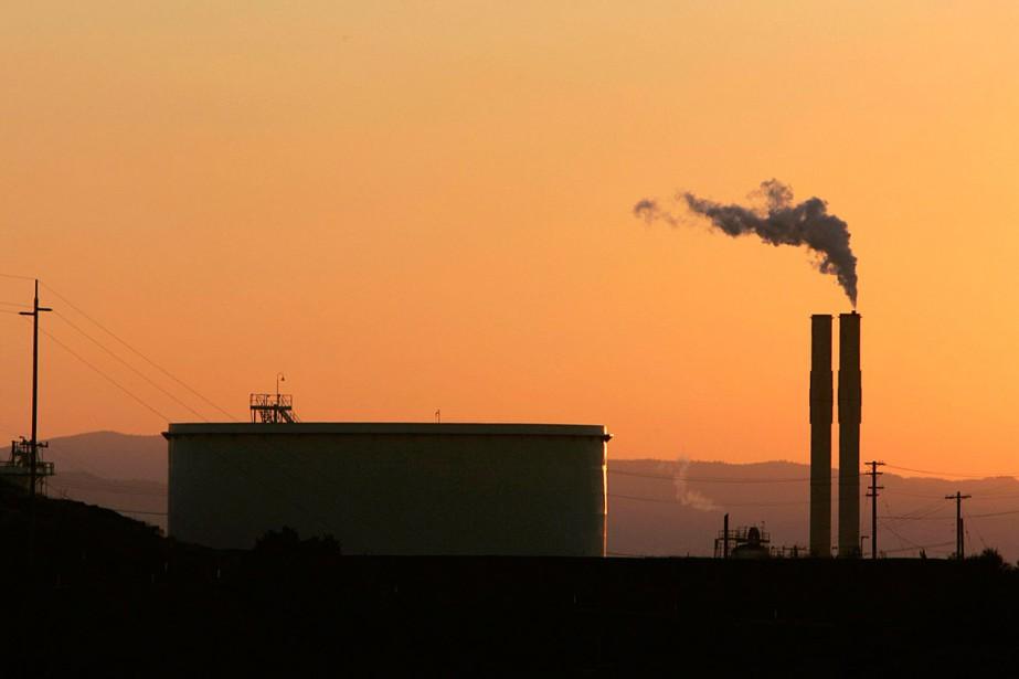 Une raffinerie installée à Rodeo, en Californie.... (PHOTO Rich Pedroncelli, ARCHIVES ASSOCIATED PRESS)