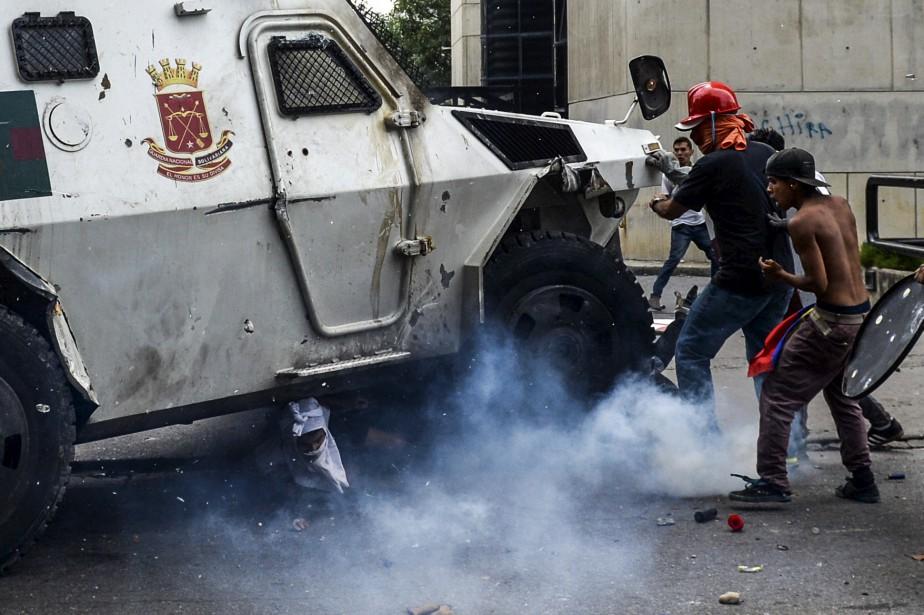 Lors d'incidents entre manifestants et forces de l'ordre, le 3mai... | 2017-06-02 00:00:00.000