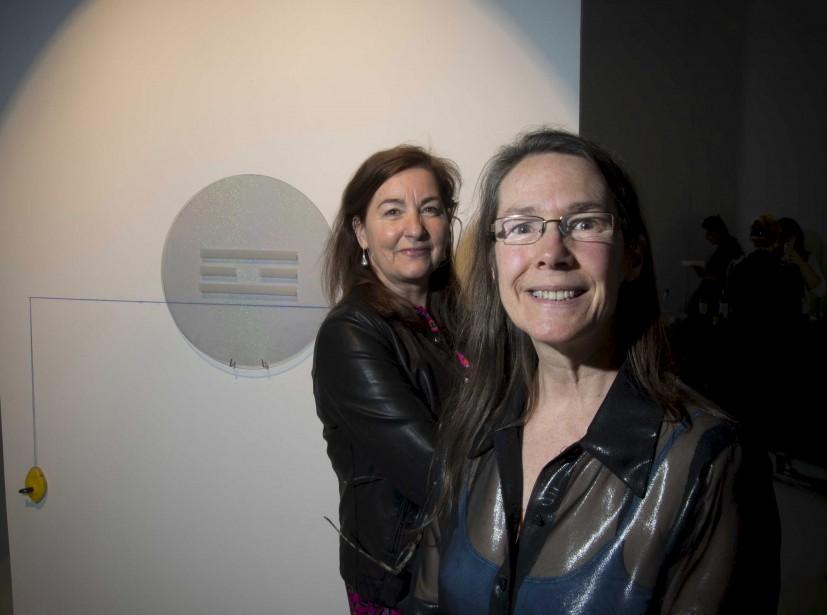 Lorraine Beaulieu, commissaire de l'exposition, et France Joyal, professeure au departement des arts de l'UQTR (Sylvain Mayer)