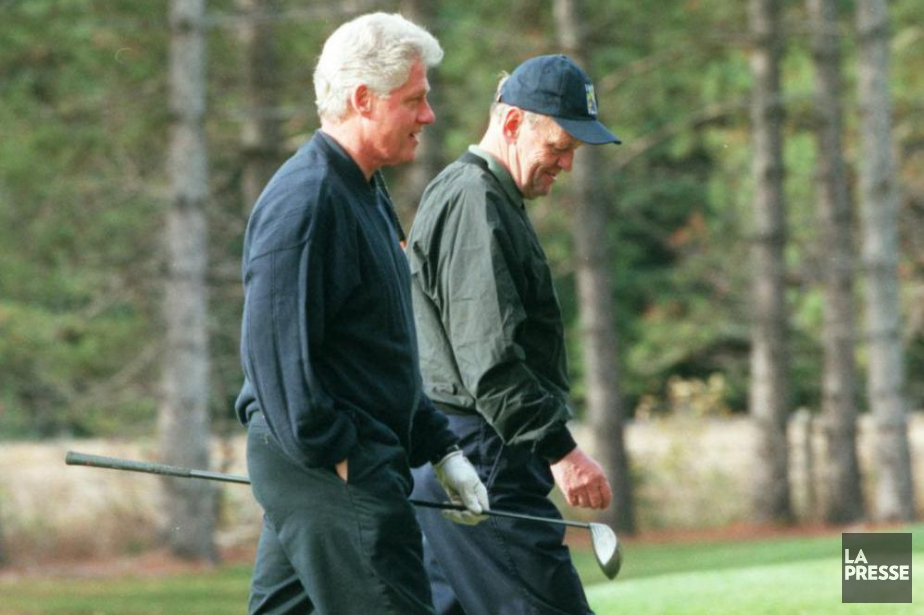 L'ex-président américain Bill Clinton et l'ancien premier ministre... (Archives La Presse, Armand Trottier)
