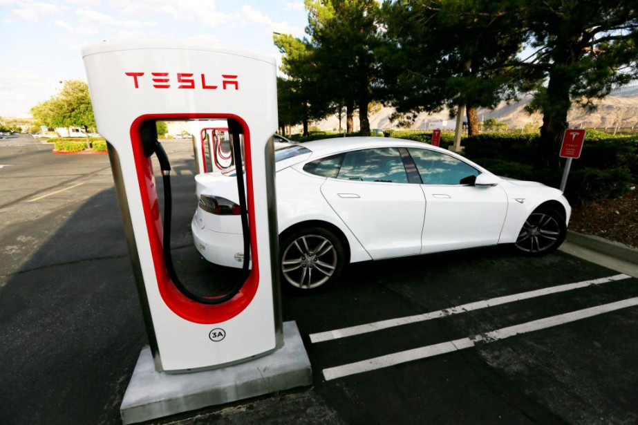 «Les grands patrons de Tesla et de Disney... (PHOTO REUTERS)