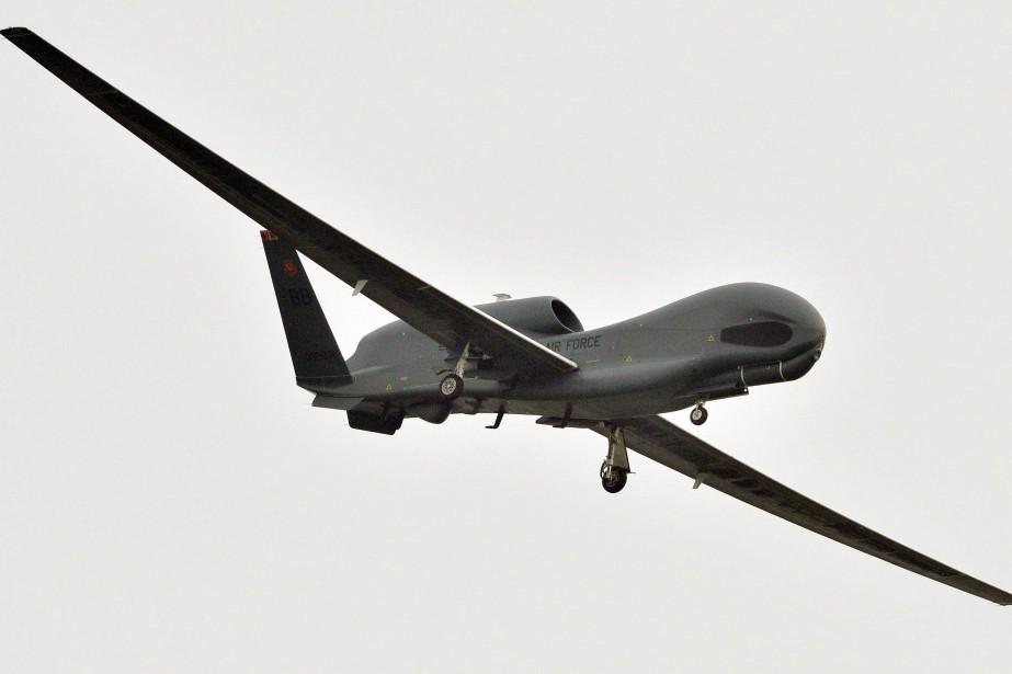 Un drone armé américain Global Hawk.... (Photo archives associated press)