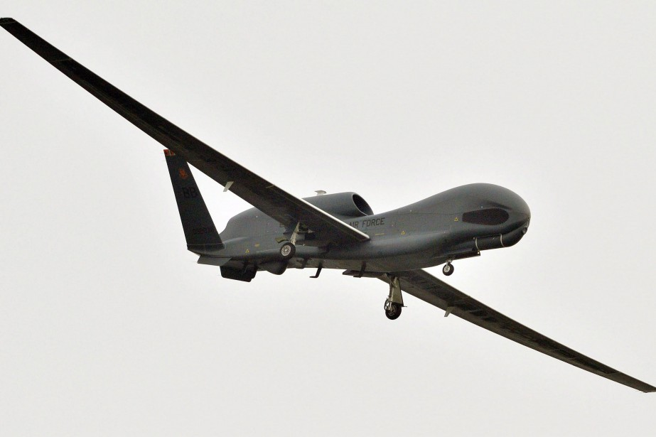 Un drone armé américain Global Hawk.... (Photo archives associated press)