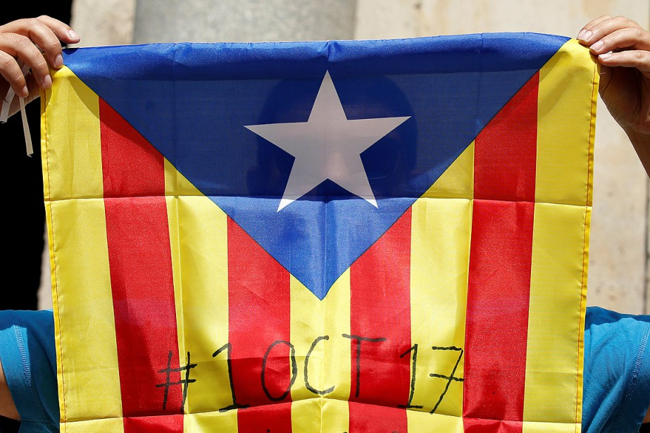 Les Catalans sont divisés sur l'indépendance: 44,3% pour... (Photo Albert Gea, REUTERS)