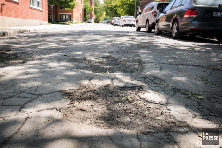 La rue Wiseman est en mauvais état, comme... (PHOTO MARCO CAMPANOZZI, LA PRESSE)