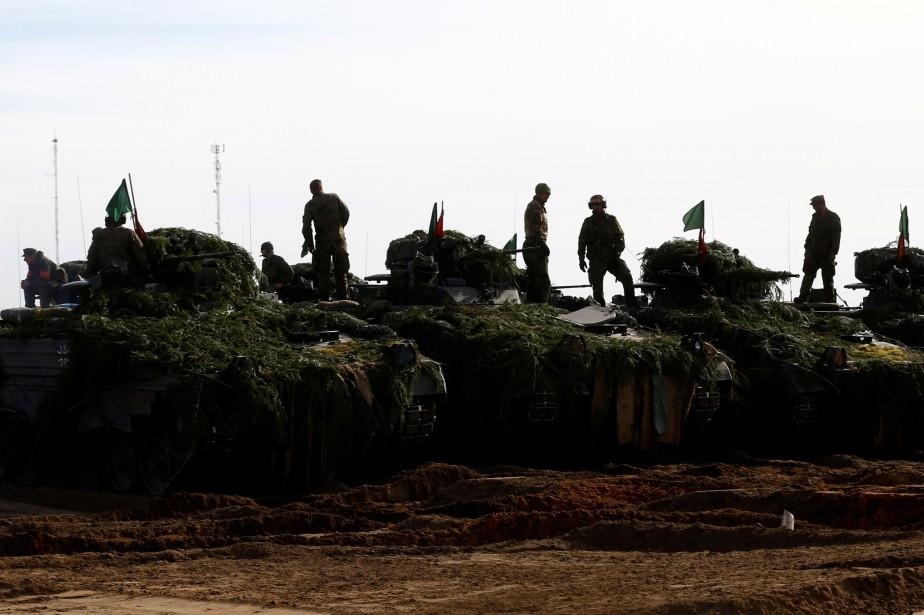 L'OTAN a déjà stationné 1000 soldats sous commandement... (PHOTO REUTERS)