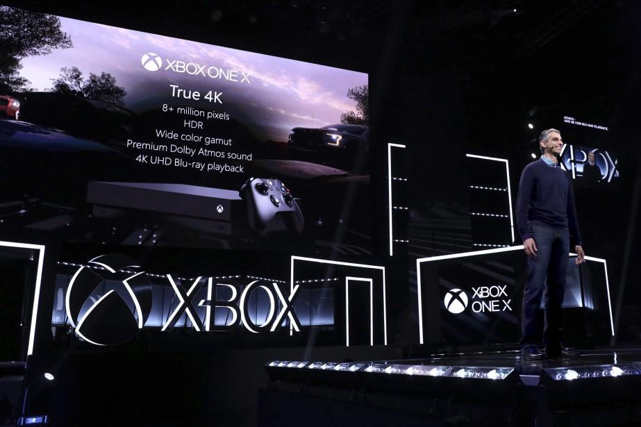 Le directeur du développement chez Xbox,KareemChoudhry, présente la... (PHOTO AP)