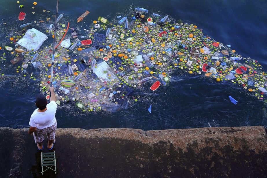 L'enfouissement d'une... (Photo Hassan Ammar, archives Associated Press)
