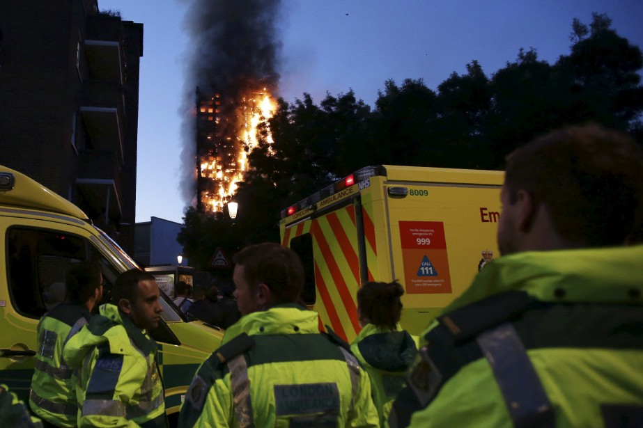 Les flammes ont dévoré la tour Greenfell, dans le quartier... | 2017-06-14 00:00:00.000