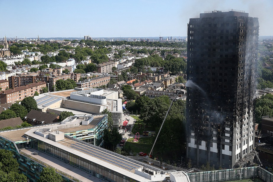 La façade de la tour Grenfell, datant de... (PHOTO REUTERS)