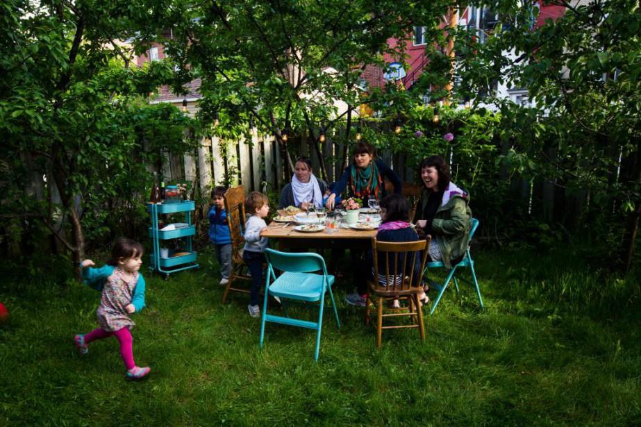 Recevoir à l'extérieur n'est possible que durant l'été,... (Photo Olivier Jean, La Presse)