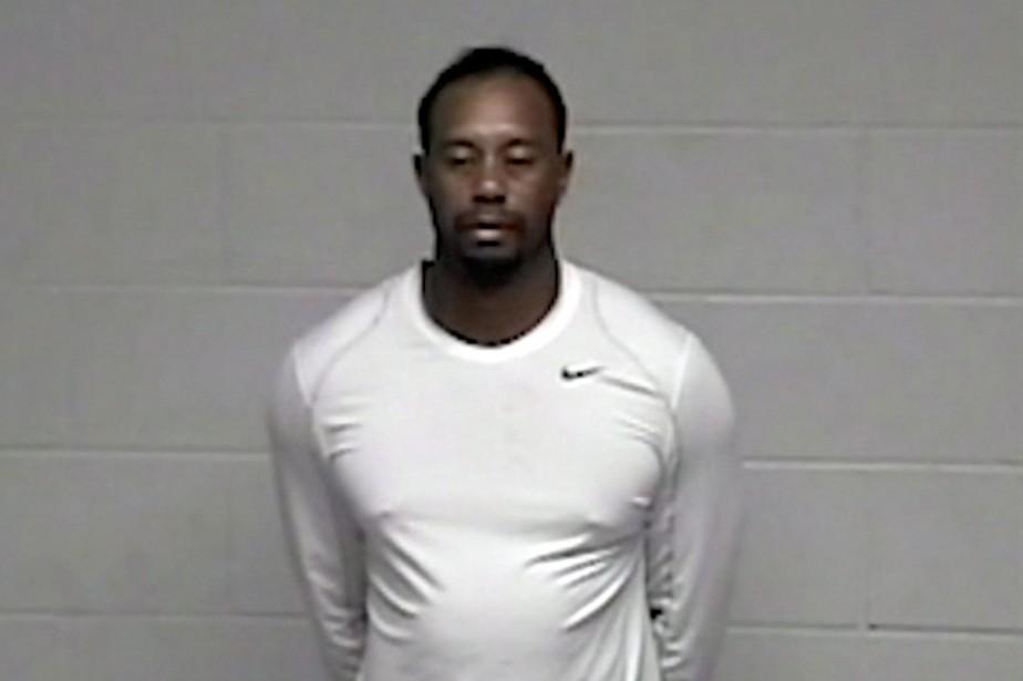 Tiger Woods est accusé de conduite avec les... (Image tirée d'une vidéo de la police)