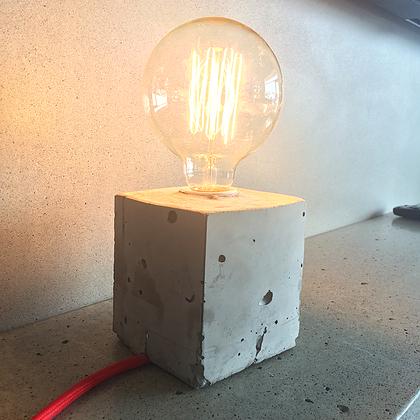 Lampe cubique 100 % béton (Béton Multi Surfaces)