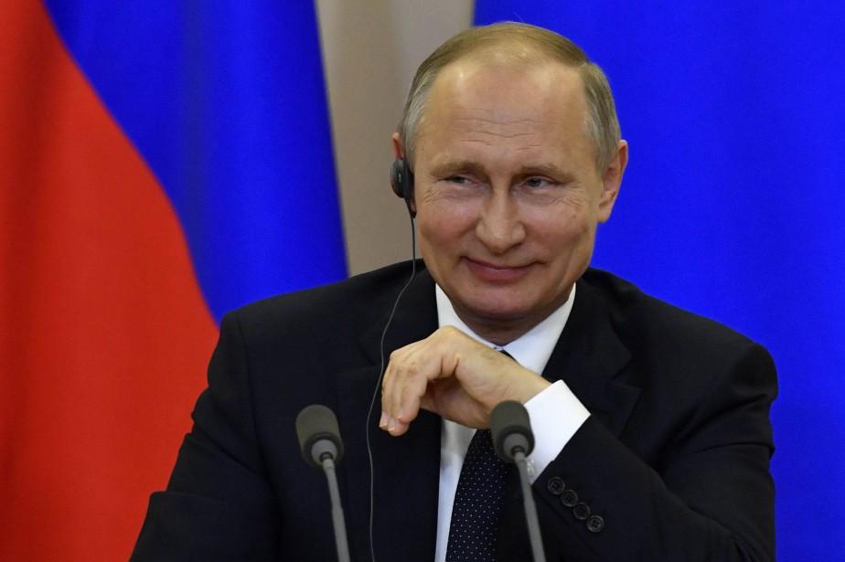 Vladimir Poutine a déclaré que si James Comey... (PHOTO AFP)