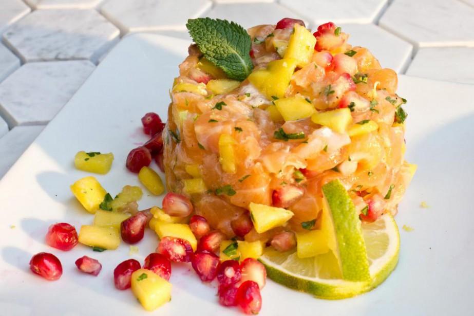 Le tartare de saumon figure au nouveau menu... (Photo Patricia Brochu,fournie par le Barraca)