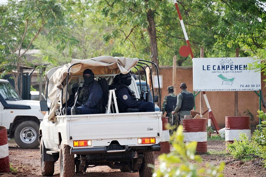 Le campement Kangaba a été la cible d'une... (PHOTO HABIBOU KOUYATE, AGENCE FRANCE PRESSE)