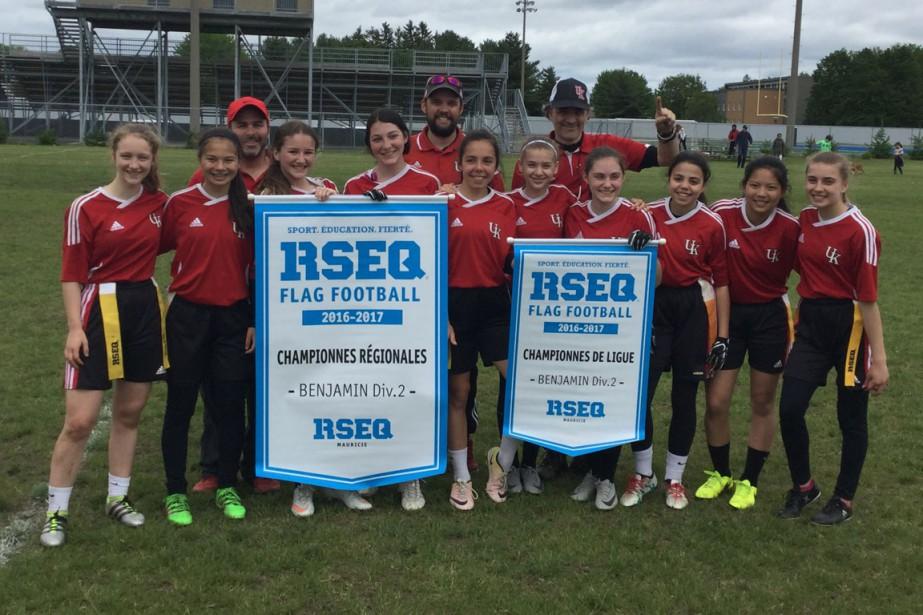 Flag-football:  Institut secondaire Keranna. Benjamin féminin division 2. Championnes de ligue et séries. | 20 juin 2017