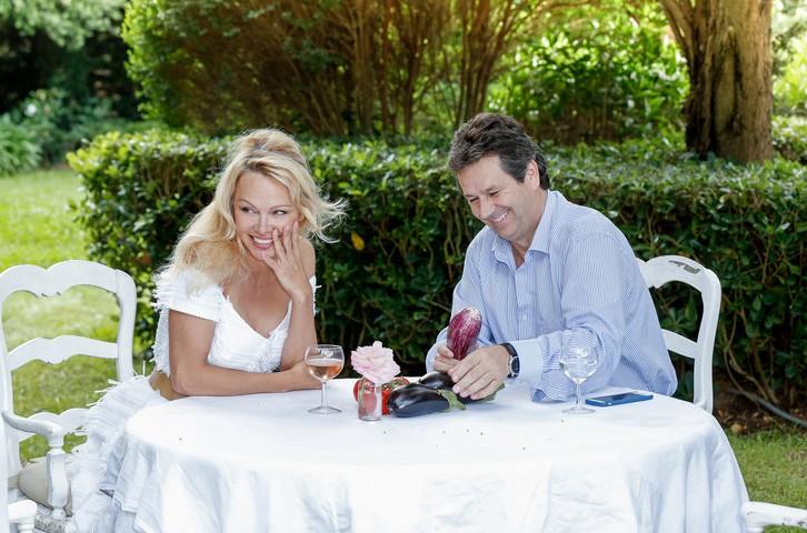 La table du marché de Pamela Anderson ouvrira... (Photo tirée de Facebook)