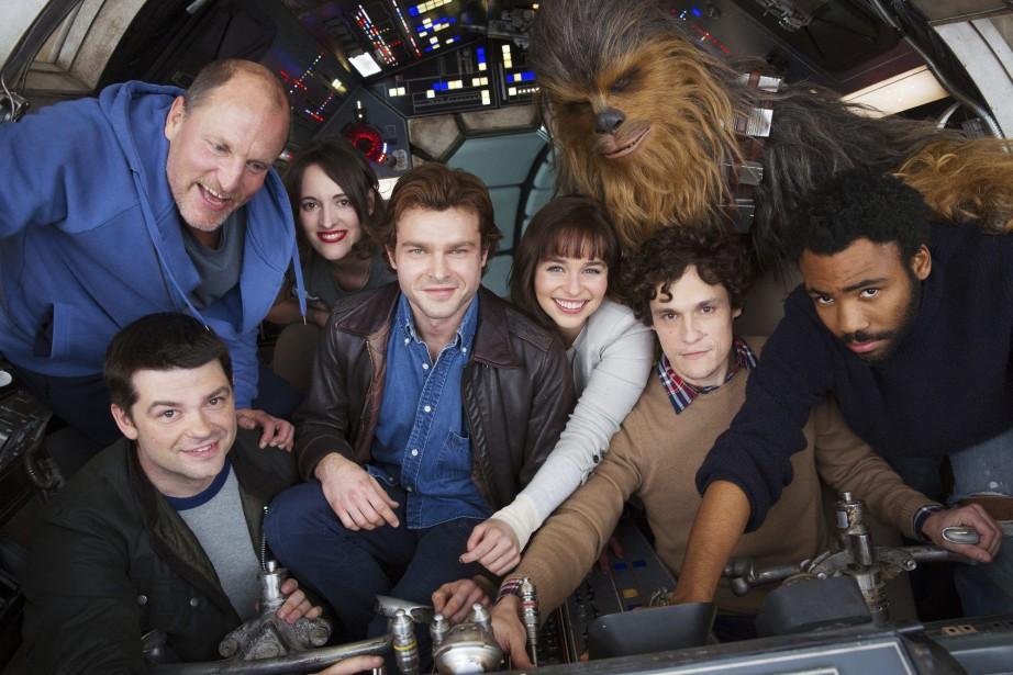 Photo de groupe montrant les acteurs et réalisateurs... (PHOTO AP)