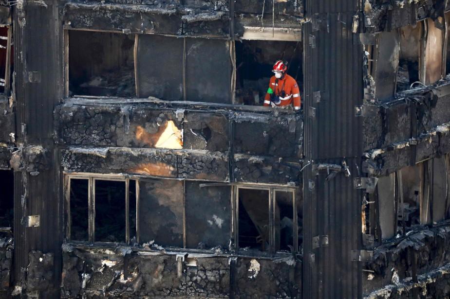 L'incendie de la tour Grenfell, survenu la semaine... (PHOTO Tolga AKMEN, archives AFP)