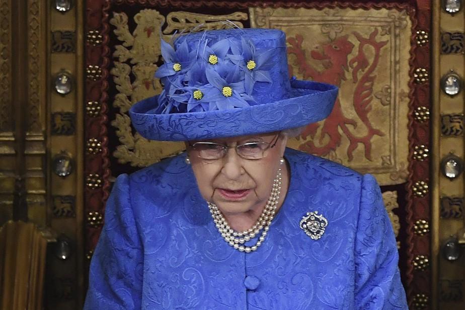 La reine est tenue à la plus stricte... (PHOTO AP)