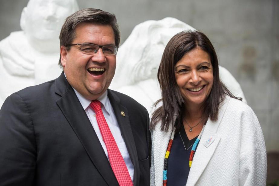 Les maires Denis Coderre et Anne Hidalgo ont... (photo olivier pontbriand, la presse)