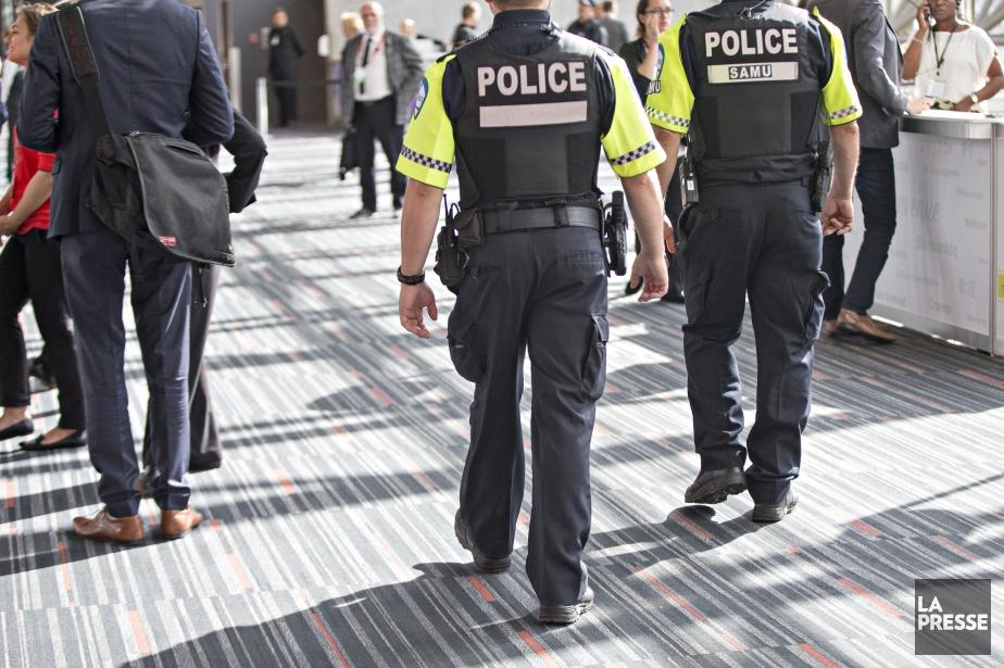 La convention collective des policiers était échue depuis... (PHOTO OLIVIER JEAN, ARCHIVES LA PRESSE)