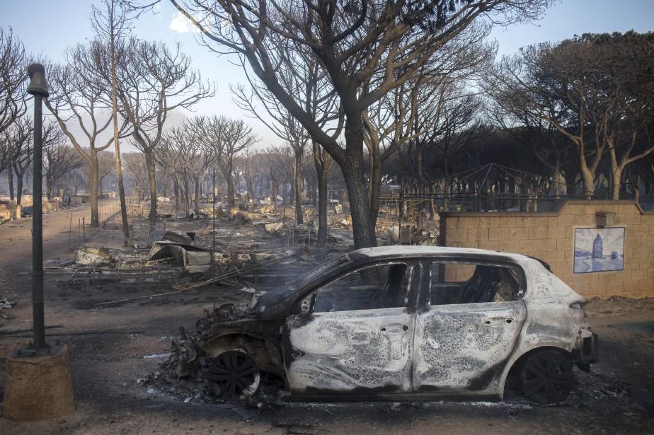 Le feu a entraîné l'évacuation d'un camping de... (Photo Alberto Diaz, AP)