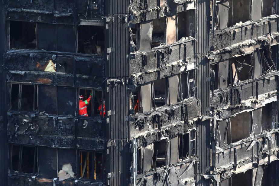 L'incendie de la tour Grenfell qui a fait... (Photo Neil Hall, Reuters)