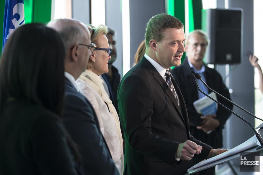 Le ministre Luc Fortin a lancé son projet... (Photo Edouard Plante-Fréchette, La Presse)