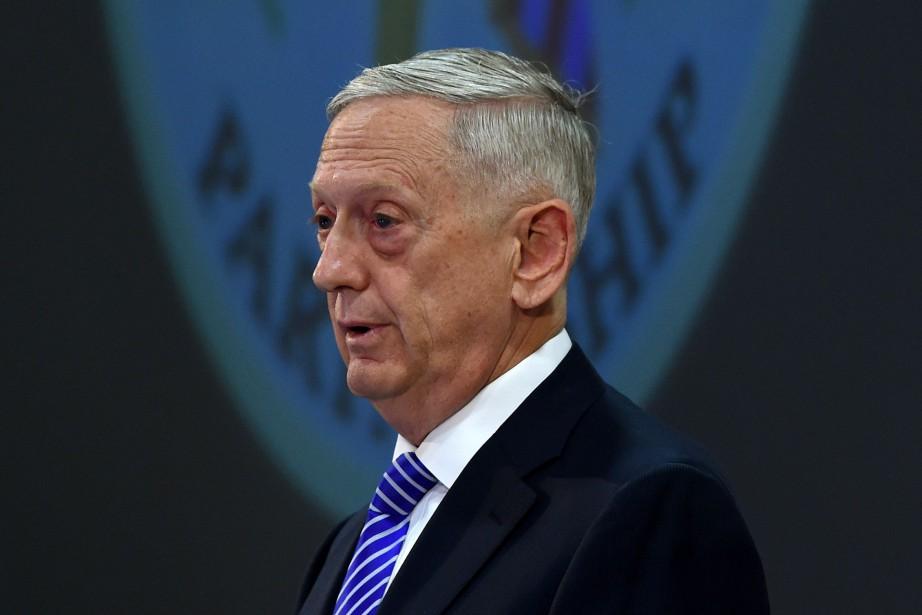 Le Secrétaire américain à la Défense James Mattis,... (PHOTO Christof STACHE, AFP)