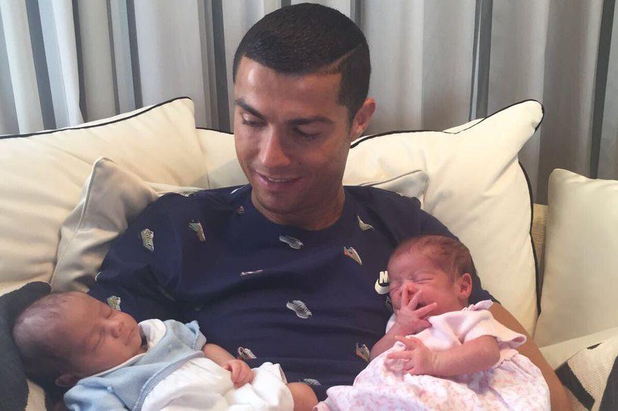 Cristiano Ronaldoa publié jeudi sur les réseaux sociaux... (Photo tirée du compte Twitter de Cristiano Ronaldo)