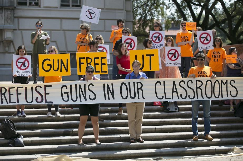 Le Texas a déjà autorisé le port d'armes... (Photo archives AP)