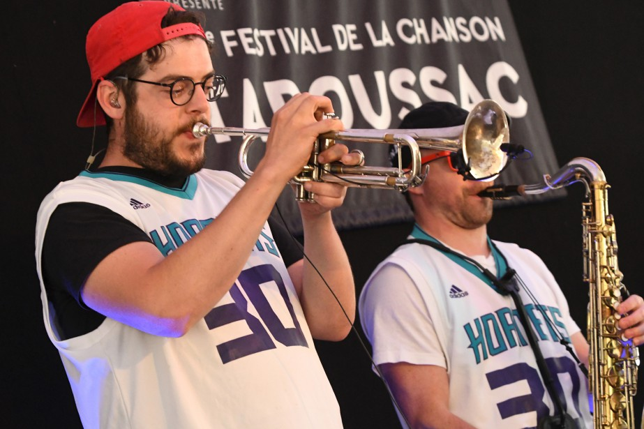 Karim Ouellet et ses potes au Festival de la chanson de Tadoussac. (Le Quotidien, Michel Tremblay)