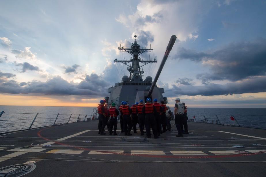 Le USS Stethem s'est approché à moins de... (Photo AFP)