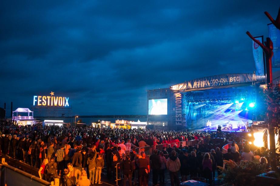 Une importante foule s'est déplacée pour la soirée de samedi du FestiVoix, dont l'admission était gratuite. | 2 juillet 2017