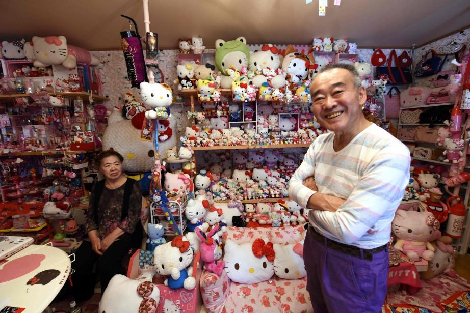 L'ex-policier à la retraite Masao Gunji, accompagné de... (Photo AFP)